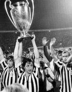 Top 10 CLB bóng đá châu Âu chưa một lần xuống hạng