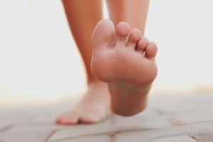Top 10 Dấu hiệu thừa cholesterol xuất hiện ở chân bạn nên biết
