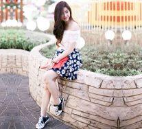 Top 8 Kiểu mix đồ giày thể thao với váy hợp mốt nhất cho phái đẹp