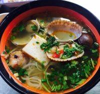 Top 9 Món ăn ngon nhất khu ẩm thực chợ Hồ Thị Kỷ, TP. Hồ Chí Minh